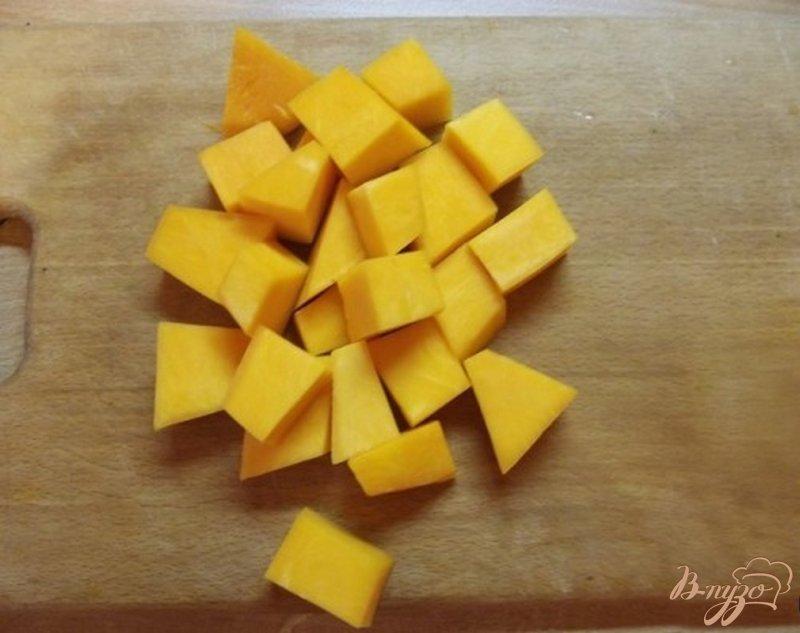Фото приготовление рецепта: Суп из тыквы с маслом шаг №1