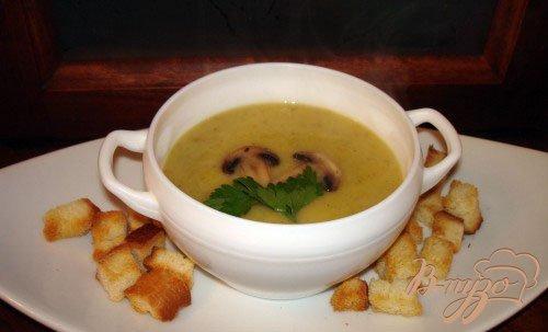 Рецепт Грибной суп-пюре с кабачком и сухариками