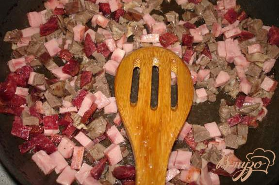Фото приготовление рецепта: Солянка мясная шаг №3