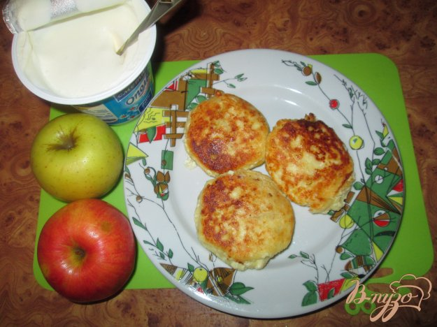 Рецепт Сырники с яблоками