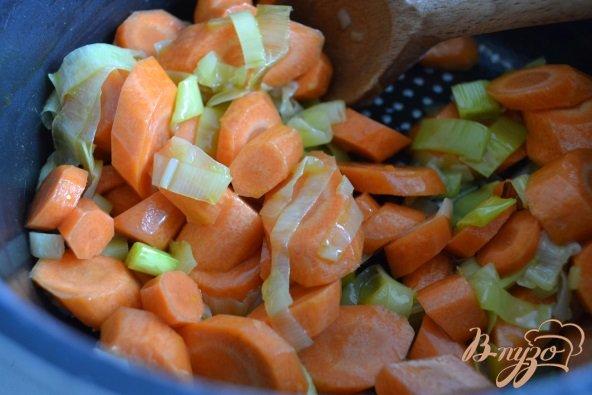 Фото приготовление рецепта: Морковный суп-пюре с горохом нут шаг №1
