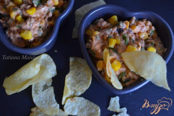Фото приготовление рецепта: Закуска из авокадо с рыбой шаг №6