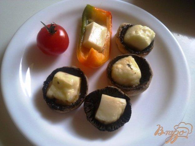 фото рецепта: Шампиньоны с сыром халуми