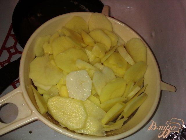 Фото приготовление рецепта: Жаренный картофель шаг №3