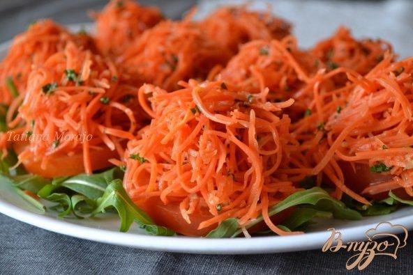 Рецепт Закуска из томатов и маринованной моркови