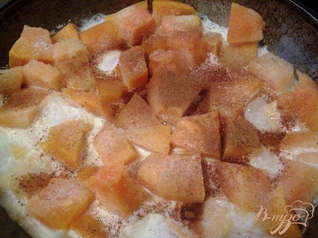 Фото приготовление рецепта: Ореховый кекс с тыквенной начинокй шаг №3