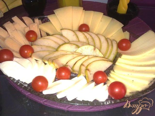 Фото приготовление рецепта: Сырная тарелка шаг №4