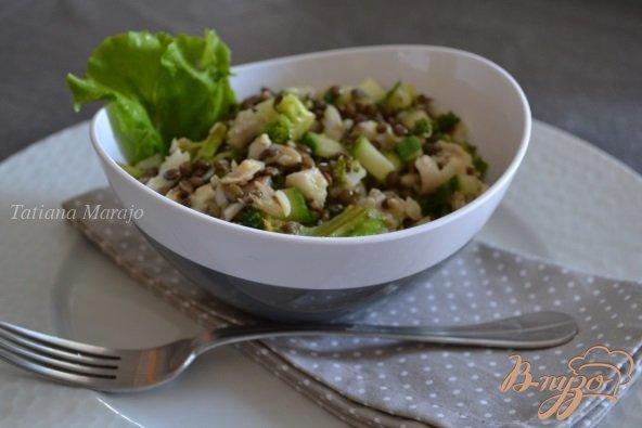 фото рецепта: Салат с рыбой и чечевицей