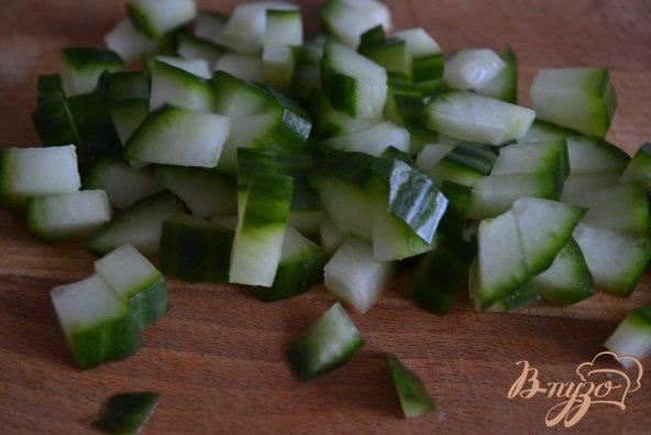 Фото приготовление рецепта: Салат с рыбой и чечевицей шаг №2