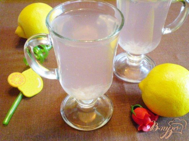 фото рецепта: Лимонный компот с суданской розой