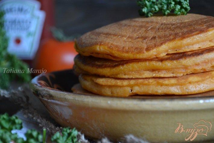 Фото приготовление рецепта: Томатные оладьи шаг №5