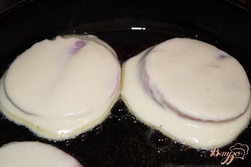 Фото приготовление рецепта: Ветчина в кляре шаг №4