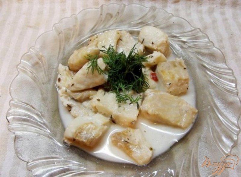 Фото приготовление рецепта: Филе Флаундера тушеное в белом вине шаг №7