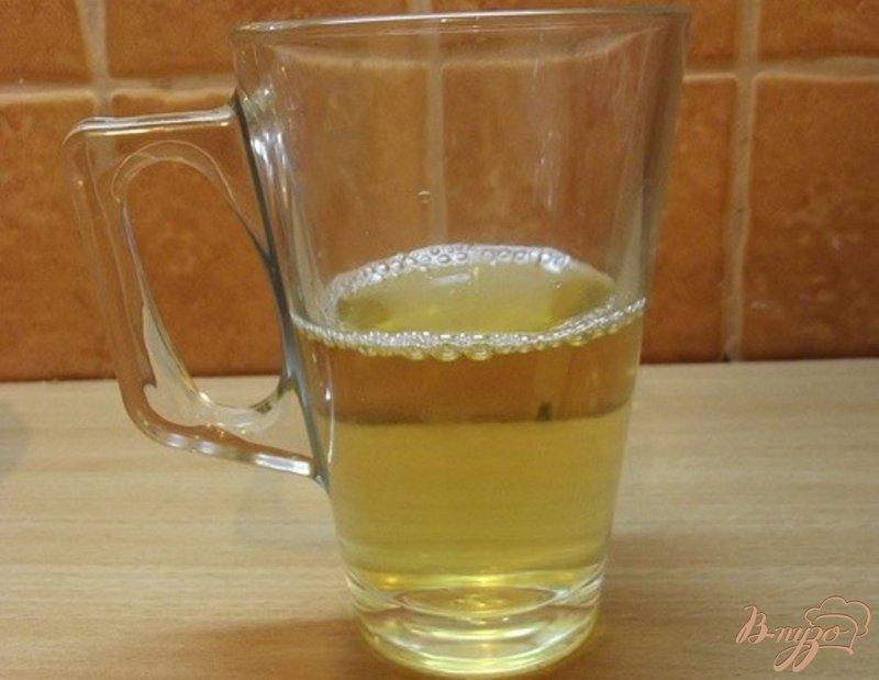 Фото приготовление рецепта: Филе Флаундера тушеное в белом вине шаг №4
