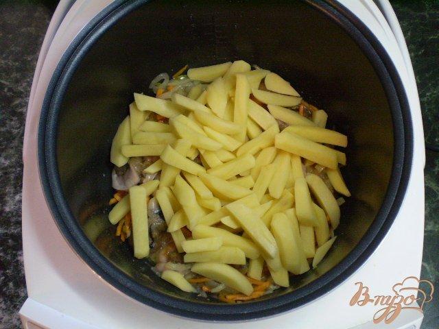 Фото приготовление рецепта: Суп с рыбной икрой шаг №4