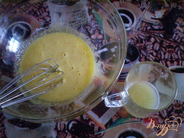 Фото приготовление рецепта: Оладьи молочные с лимоном шаг №3