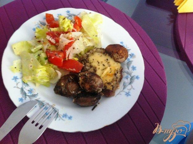 Рецепт Медальоны из говядины, запеченные с шампиньонами и сыром