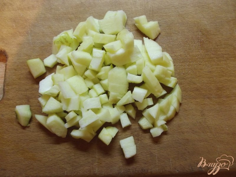 Фото приготовление рецепта: Яблочное повидло с мармеладом шаг №2