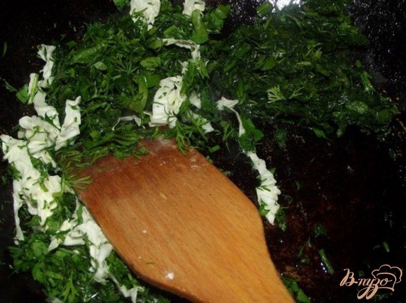 Фото приготовление рецепта: Картофель с листовой зеленью шаг №4
