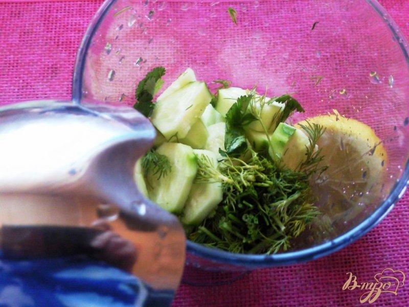 Фото приготовление рецепта: Огуречный смузи шаг №2