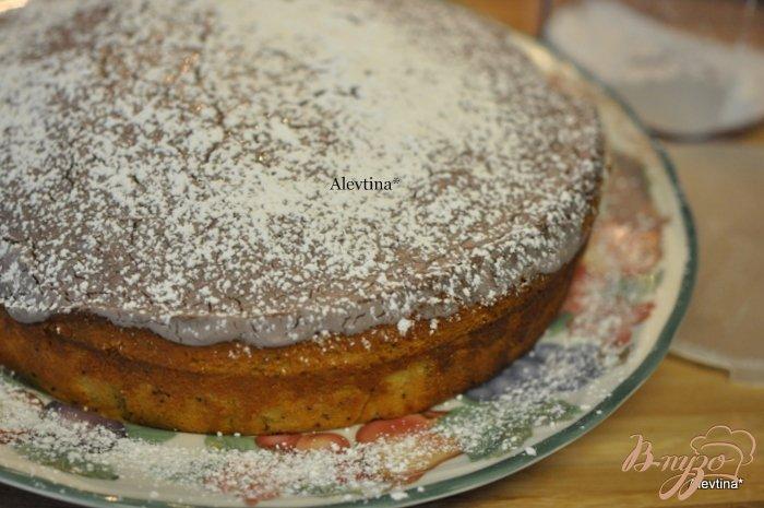 Фото приготовление рецепта: Сладкий кекс с яблоками по-быстрому шаг №6