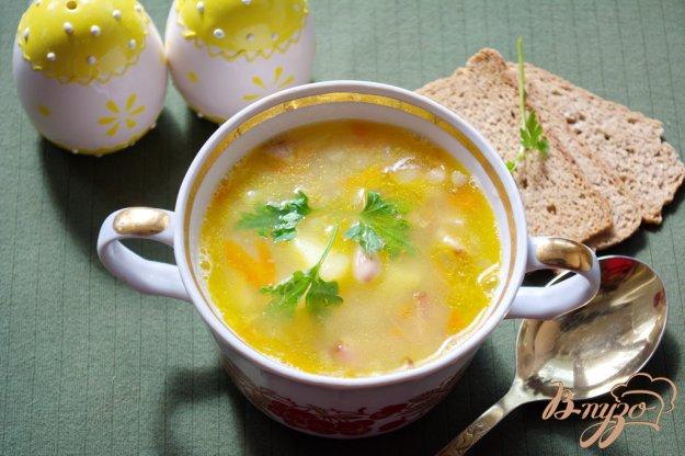 Рецепт Cытный фасолевый суп с копченой грудинкой