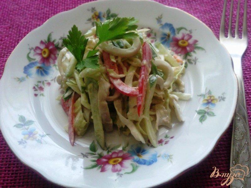 Фото приготовление рецепта: Овощной салат с кальмарами шаг №5