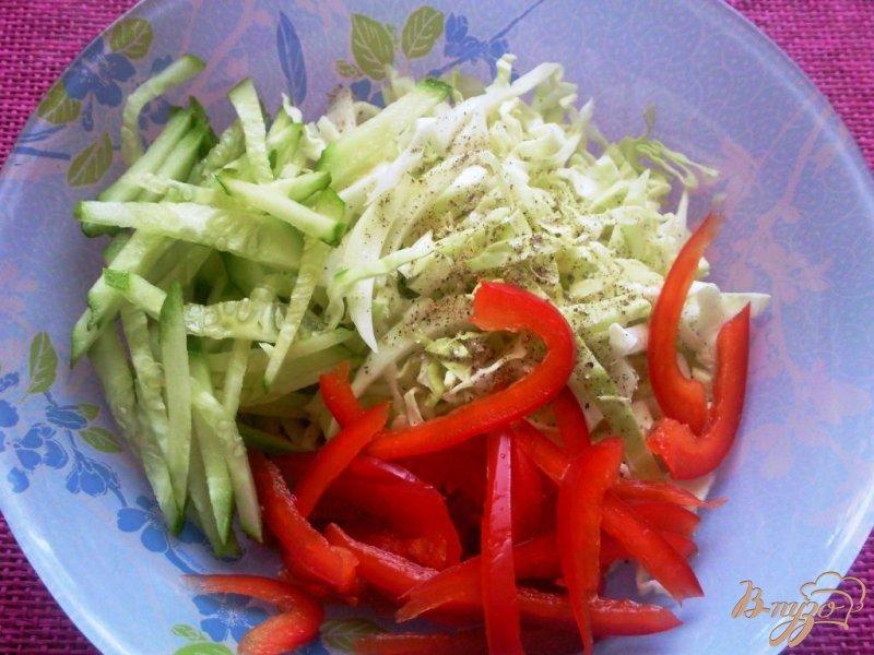 Фото приготовление рецепта: Овощной салат с кальмарами шаг №2