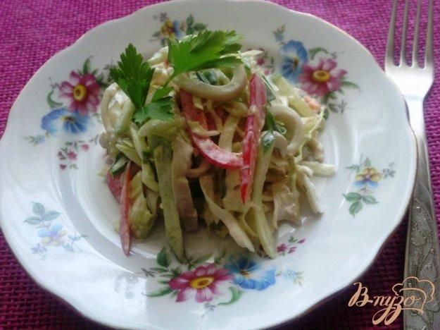 фото рецепта: Овощной салат с кальмарами