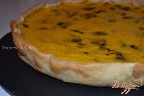 Фото приготовление рецепта: Пирог с тыквой и грибами шаг №7