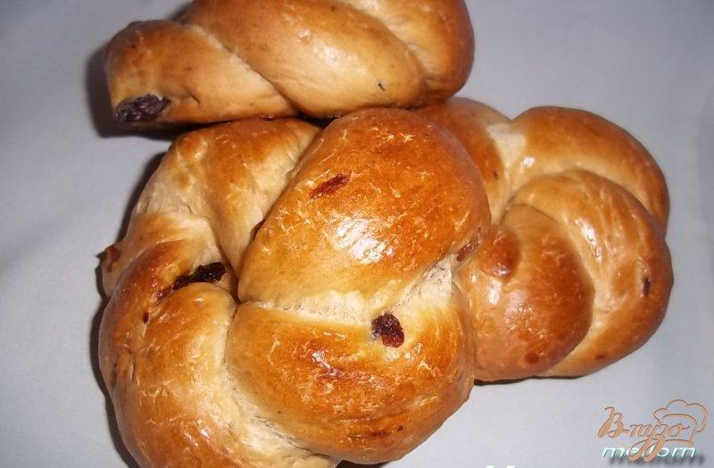 Фото приготовление рецепта: Кофейные булочки с изюмом шаг №7