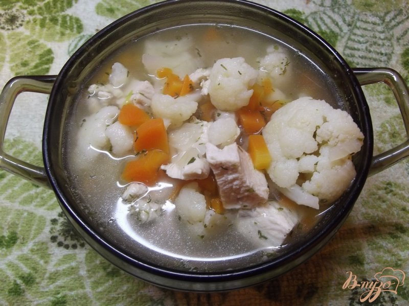 Фото приготовление рецепта: Суп из цветной капусты с тимьяном шаг №7