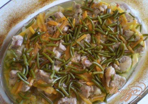Мясо тушенное в духовке с овощами
