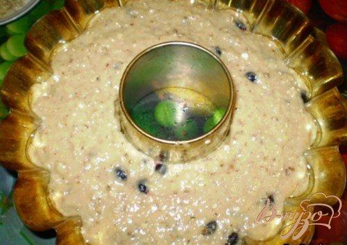 Ореховый кекс с черной смородиной