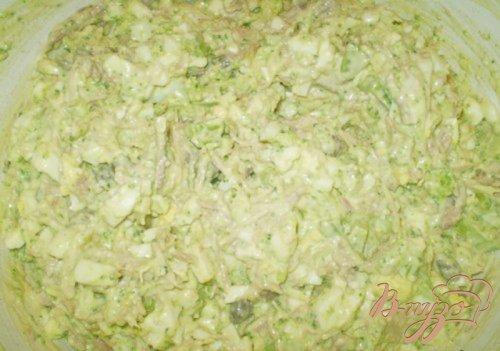 Салат мясной с каперсами и брокколи