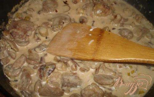 Маслята в сметане с гарниром из печеного картофеля