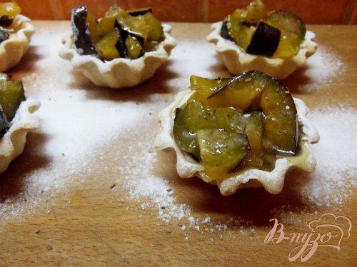 Тарталетки десертные со сливой