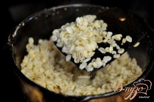 Говядина с сальсой на сковороде