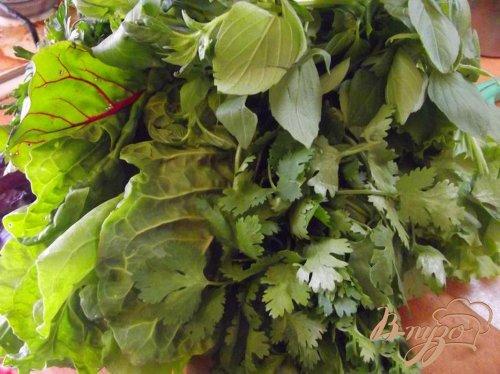Салат из листовой свеклы
