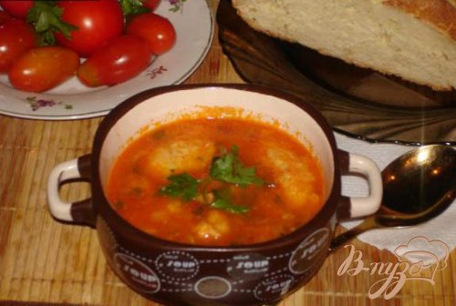 Томатный суп с клецками