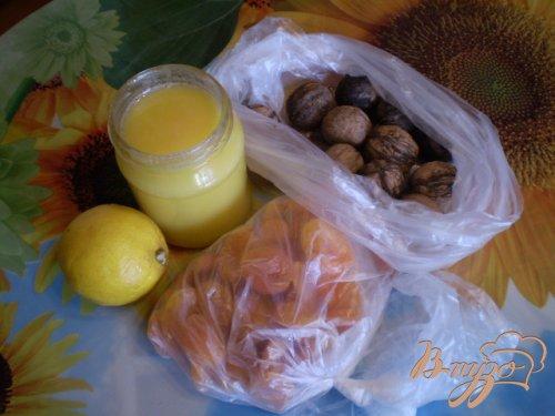 Курага с медом и орехами