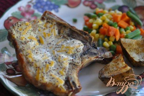 Свиные отбивные с горчицей и сыром