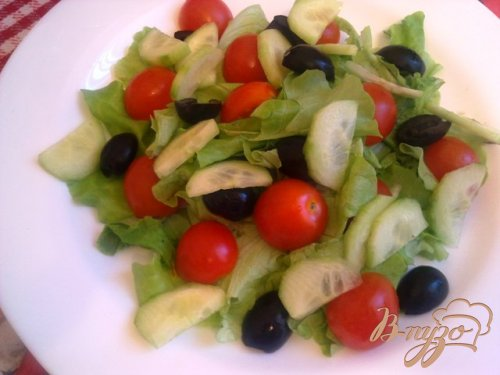 Теплый салат с омлетом