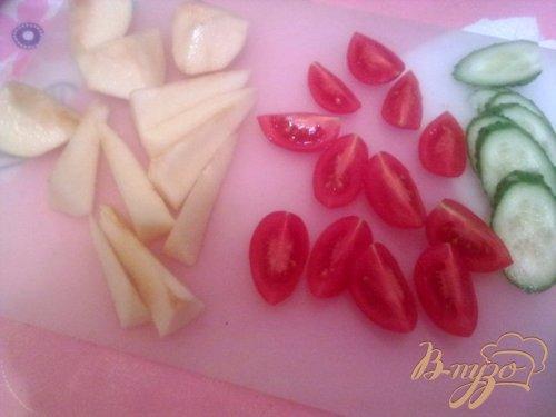 Салат с грушей и голубым сыром