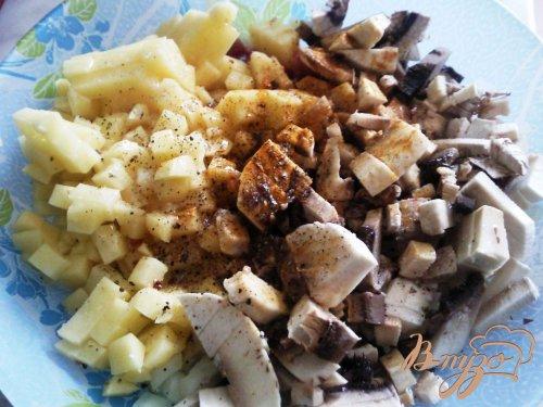 Мясной пирог с грибами и картофелем