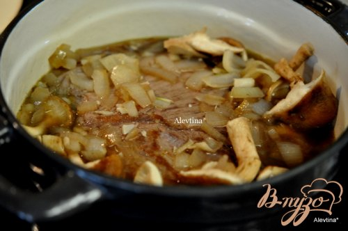 Тушеная/Stracotto/ говядина  с грибами
