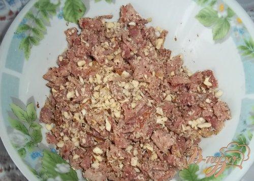 Фугасс с грудинкой и грецкими орехами