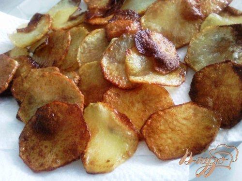Салат с сельдью и жаренным картофелем