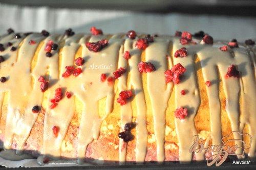 Сладкий пирог с начинкой творожно-ягодной