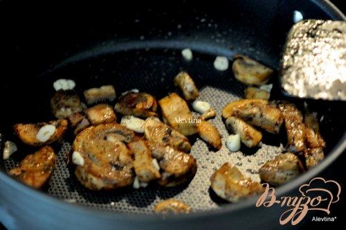 Говяжий рулет с грибами и беконом